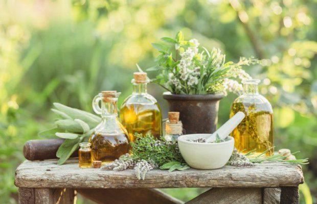 香りの効果でストレスを上手に軽減~心の疲れを癒してくれるアロマを選ぼう~